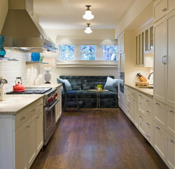 Wohnzimmer und Küche in einem Raum kombiniert fenster umgebung natur