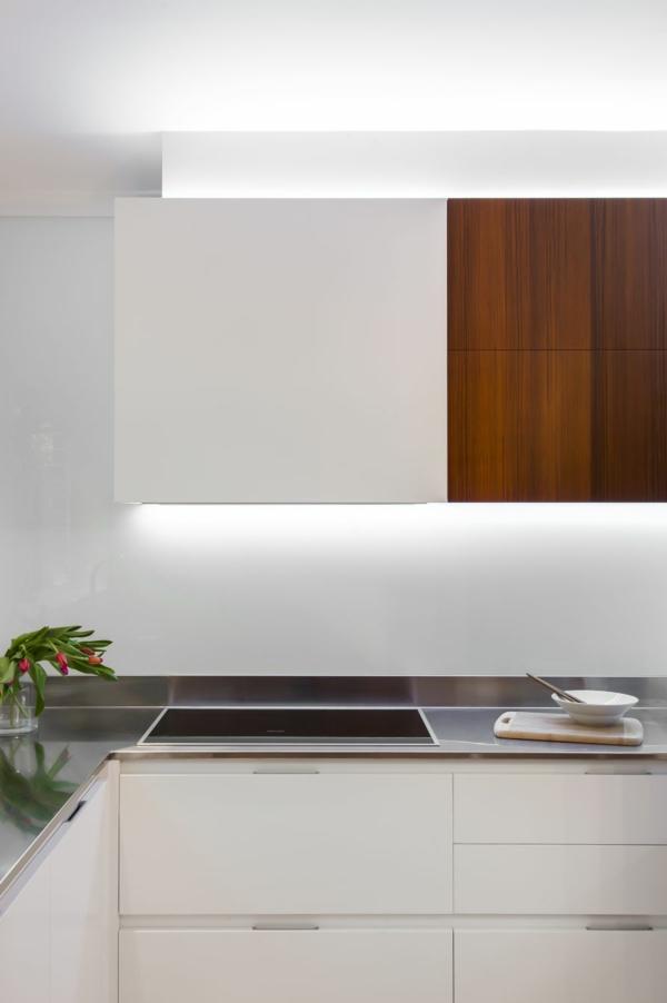 Kleine Küche mit eingebautem Homeoffice licht