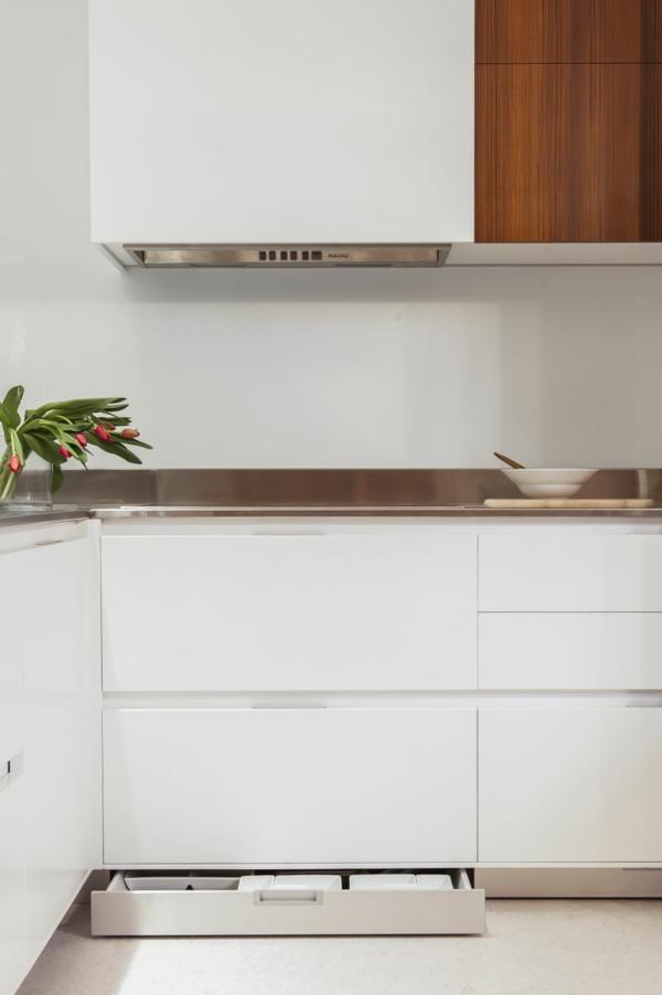 Kleine Küche mit eingebautem Homeoffice staufläche