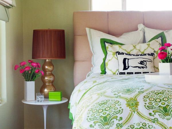 schlafzimmer trends bettwsche grn wei blumenmuster kopfteil - Tapeten Trends Schlafzimmer