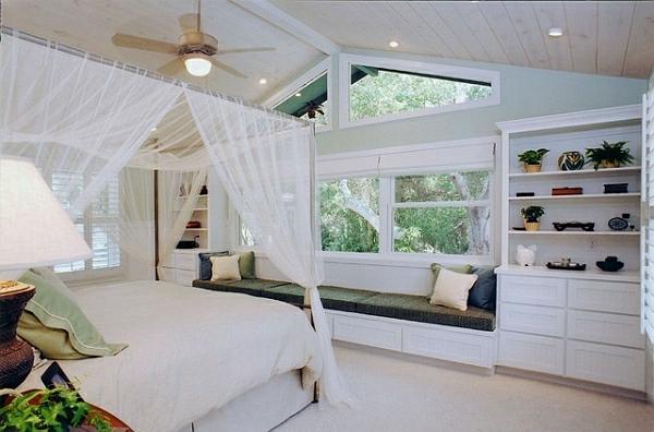 Tropische Inneneinrichtung schlafzimmer luftig weiß gardinen