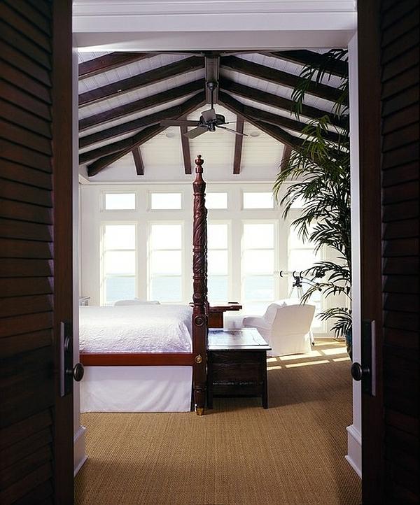 Tropische Inneneinrichtung schlafzimmer weiß bettwäsche himmelbett