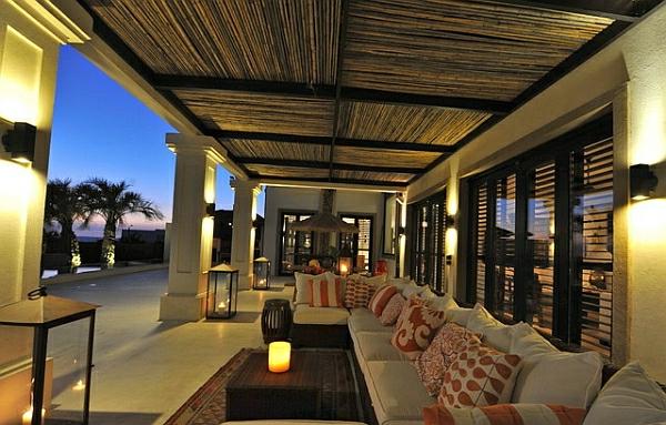 Tropische Inneneinrichtung sofas kissen bambus decke sonnenterrasse