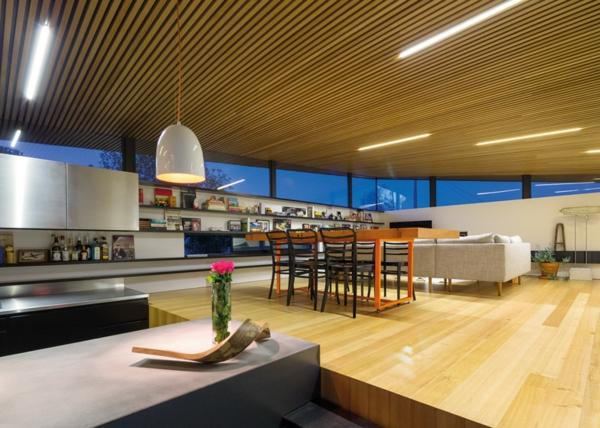 Unkonventioneller Hausanbau architektur holz einrichtung