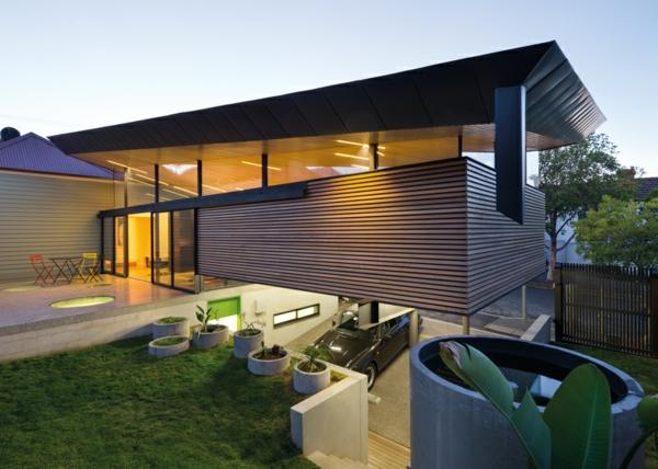 Unkonventioneller Hausanbau architektur pflanzen garten außenbereich