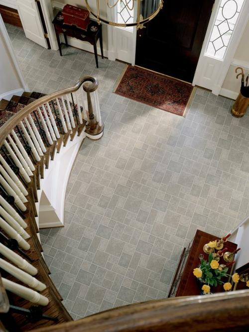 Vinyl Bodenbelag textur dauerhaft treppe gebogen eingangsbereich