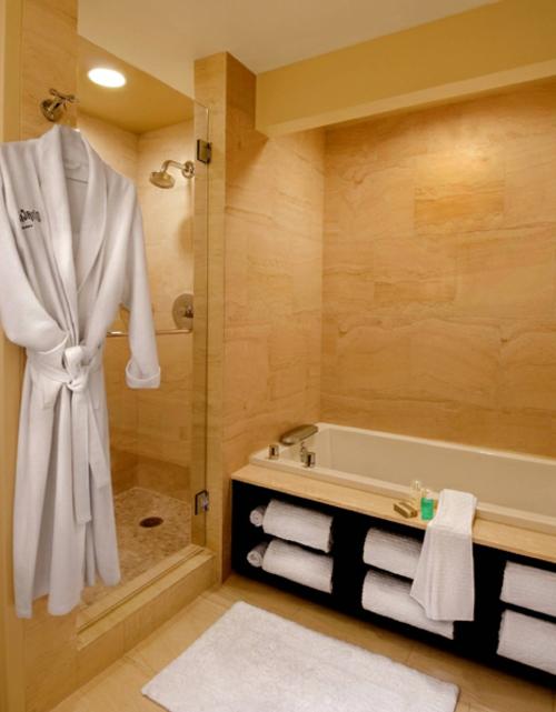 Extra Tiefe Badewanne Badeinrichtung : Badeinrichtung mit extra Stauraum - 45 stilvolle Ideen für Sie