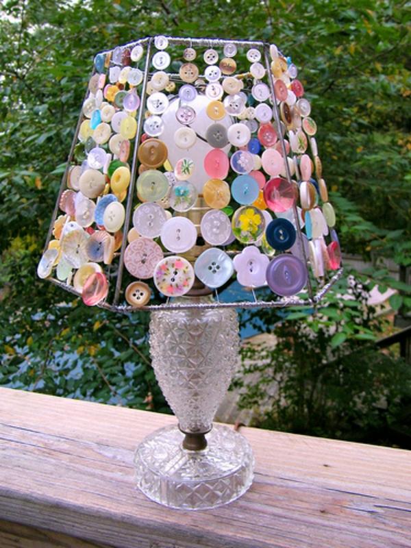 basteln mit knöpfen origineller lampenschirm