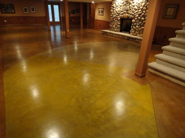 betonfußboden gelb und terrakotta gefärbt