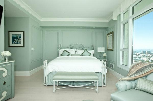 blas grüne schatten schlafzimmer wandgestaltung bettwäsche