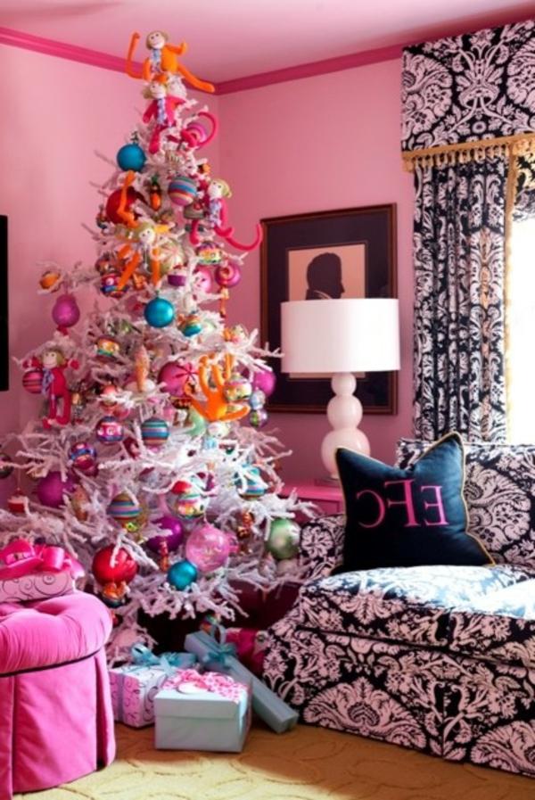 bunte Wohnideen für Weihnachtsdekoration rosa wandgestaltung