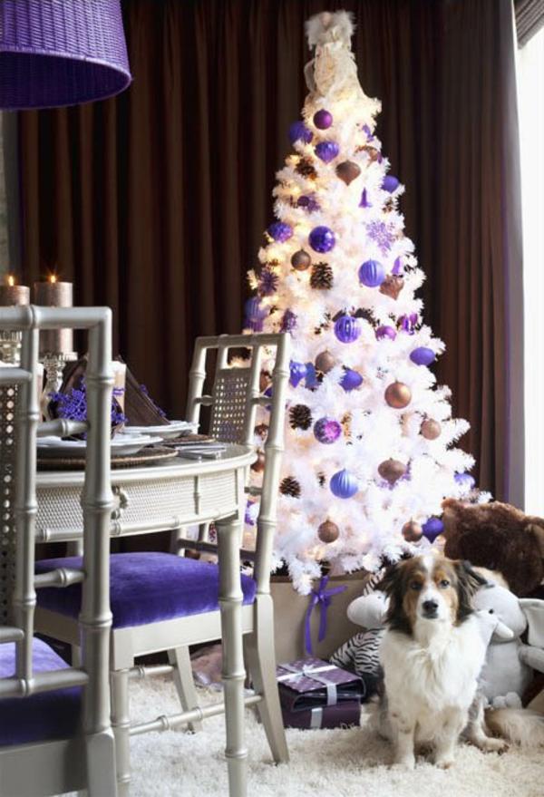 bunte Wohnideen für Weihnachtsdekoration schneeweiß