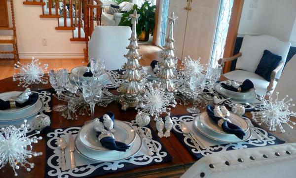bunte Wohnideen für Weihnachtsdekoration silber besteck teller