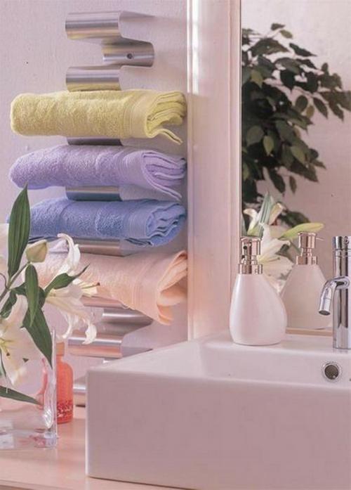 coole Einrichtung fürs kleine Badezimmer badetücher waschbecken
