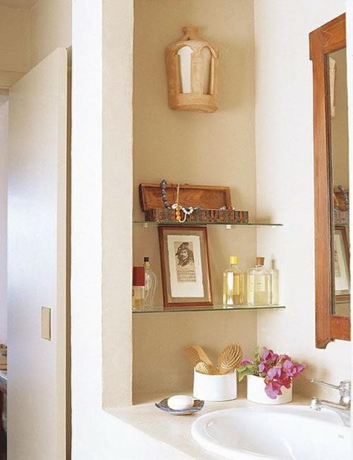 Einrichtungsideen fürs kleine Badezimmer glas regale spiegel