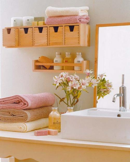 coole Einrichtungsideen fürs kleine Badezimmer holz regal