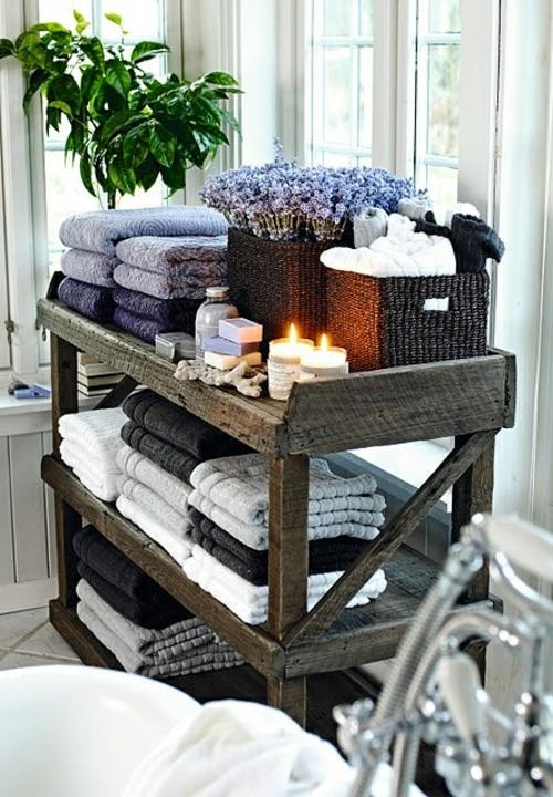 Einrichtungsideen fürs kleine Badezimmer holz rustikal regale