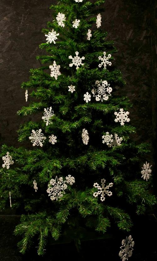 diy-weihnachten-dekoration-schneeflocken-resized