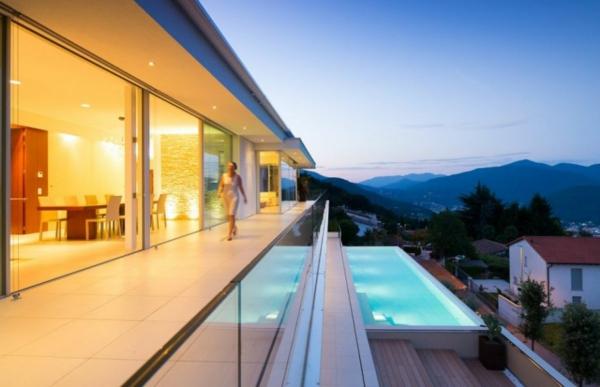 Raumhohe Schiebet Ren exklusive villa in der schweiz mit luxus interieur und tollem blick