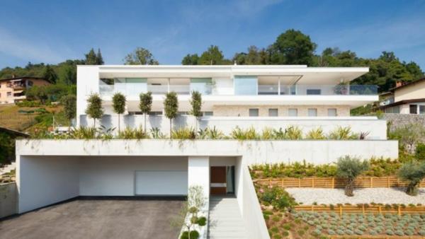 exklusive villa in der schweiz mit luxus interieur und tollem blick. Black Bedroom Furniture Sets. Home Design Ideas