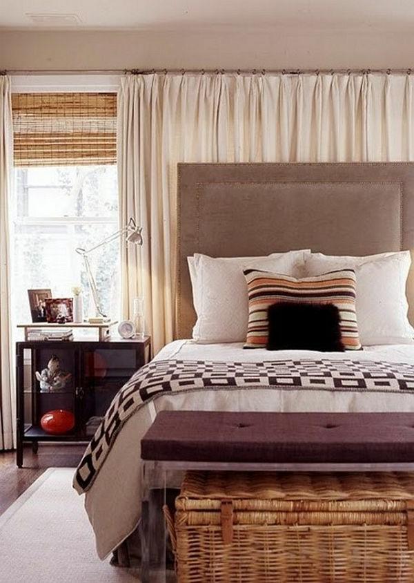 gardinen und vorhänge natürliche farben und geflochtene truhe