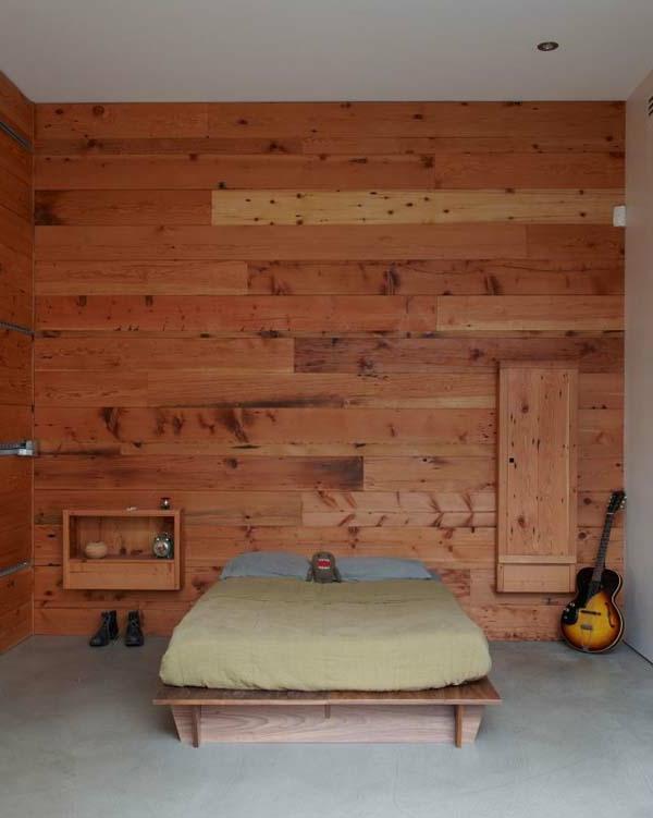 industriell stil gitarre holz wandgestaltung matratze holzgestell bett