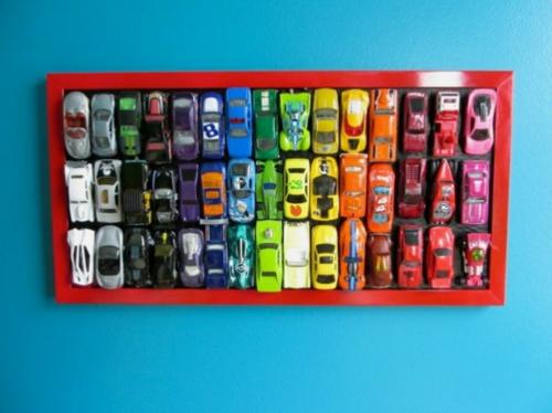 innovative Wanddekoration selber machen spielzeuge autos