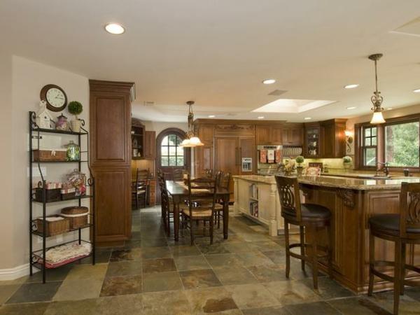 küchenboden bodenfliesen im naturstein look