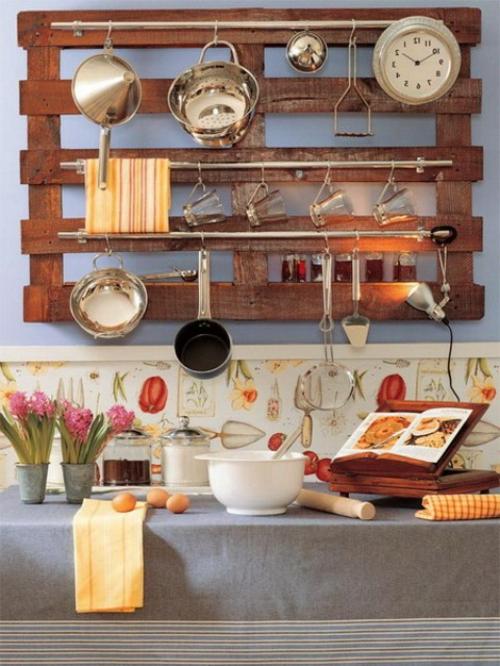 küchenideen holzpalette als wandregal