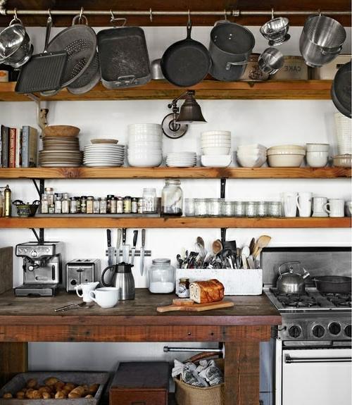 küchenideen robuste regalbretter und metallstange
