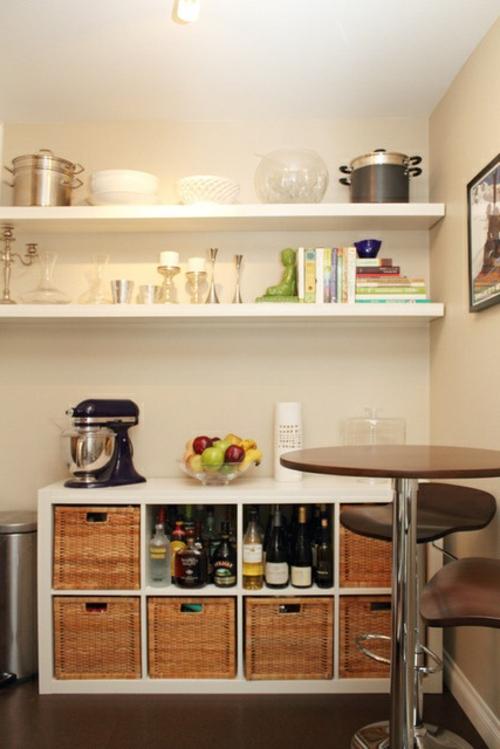 küchenideen schicke kommode mit geflochtenen kisten