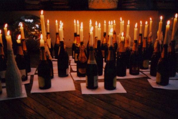 leichte Dekoideen für eine wunderliche Silvesterparty flaschen kerzenhalter