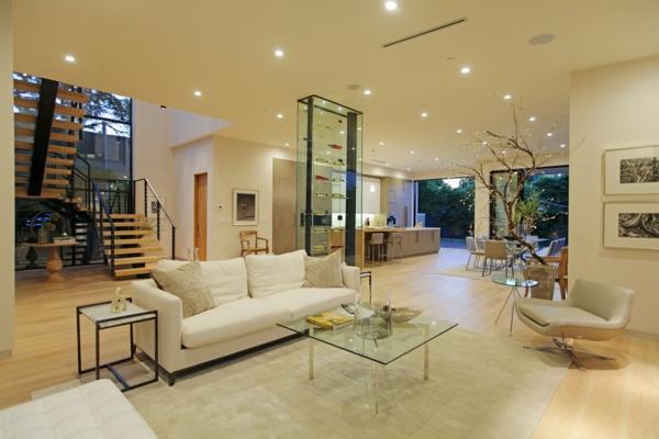 Luxushaus mit wasserelementen und modernem design in for Luxus innenausstattung haus