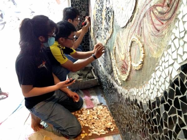 Wandgestaltung Mit Mosaikfliesen Im Nudel Restaurant In
