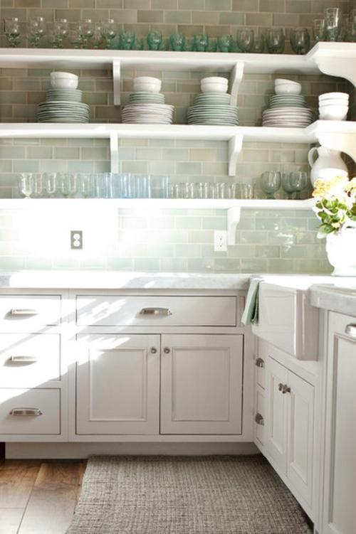 offene küchenregale aus holz weiß bemalt