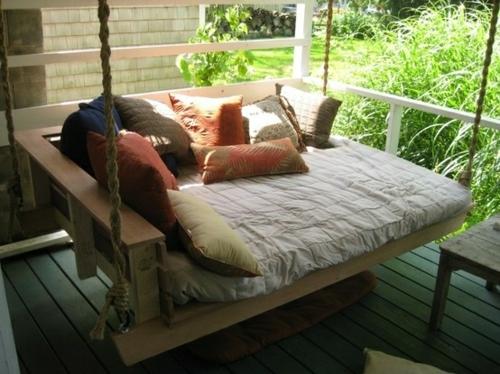 originelle betten hänge bett auf der veranda