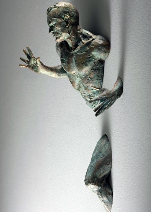 Unglaubliche realistische wand skulpturen von matteo pugliese - Moderne skulpturen wohnzimmer ...