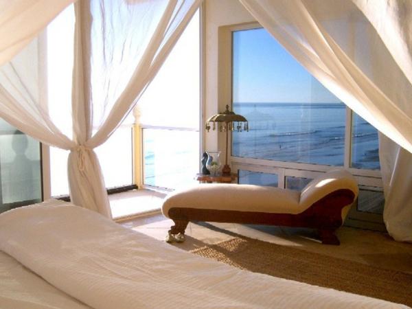 romantische schlafzimmer fenster liege gardinen