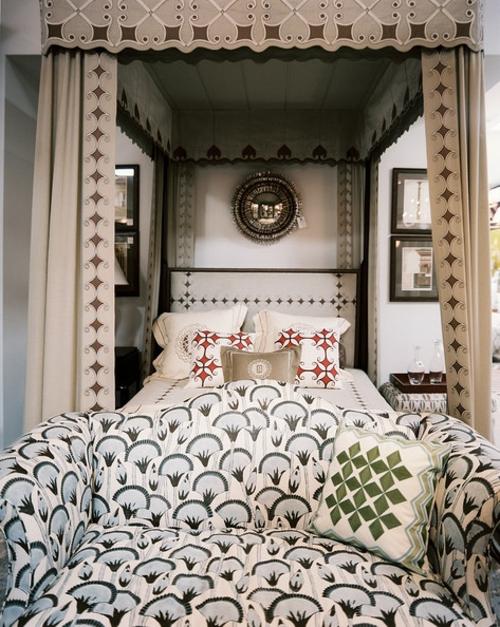 schlafzimmer gestalten gediegenes betthimmel