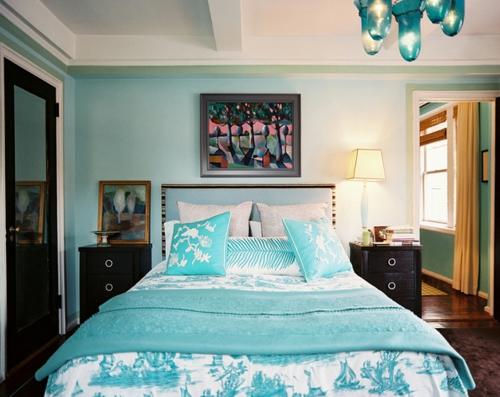 schlafzimmer in türkis mit bildern