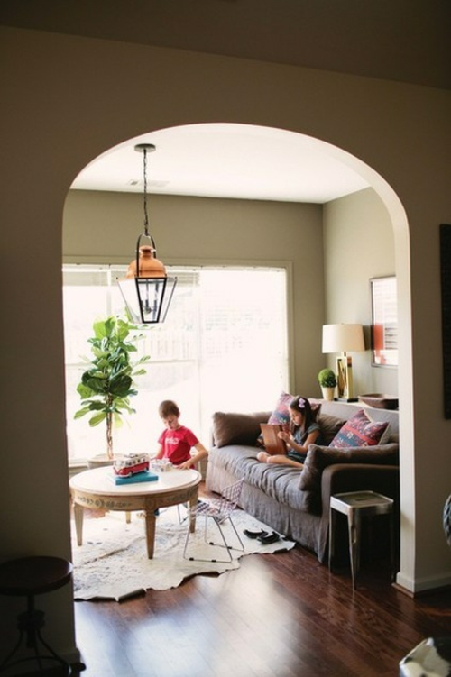 sparsame Dekoideen für die Feiertage feiern hängelampe sofa tischlampe