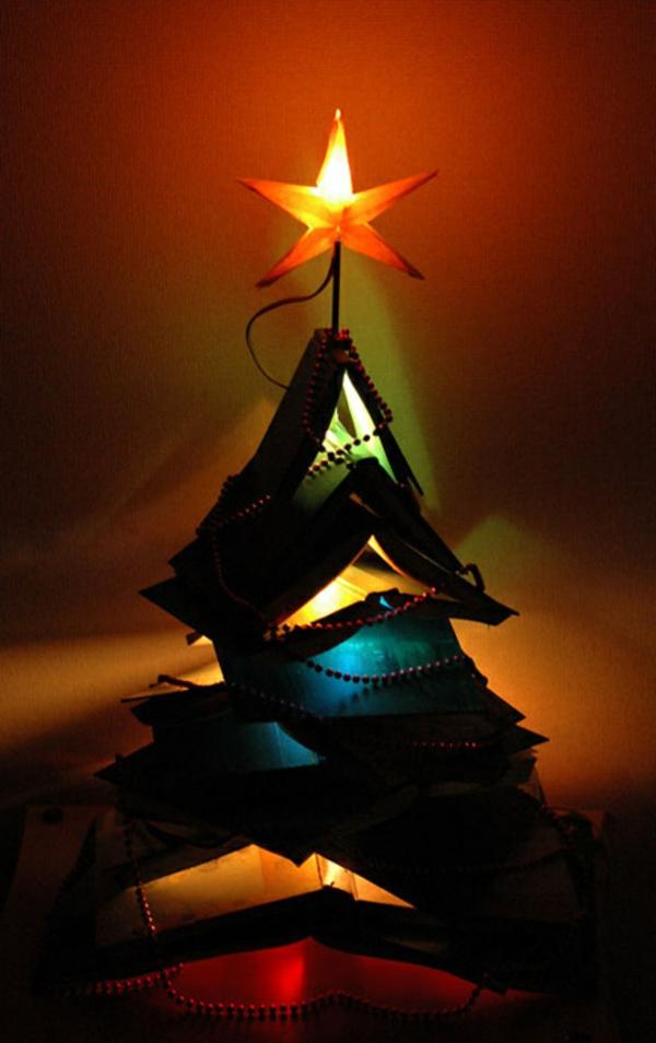 weihnachtsbaum basteln eine bücherstapel mit stern