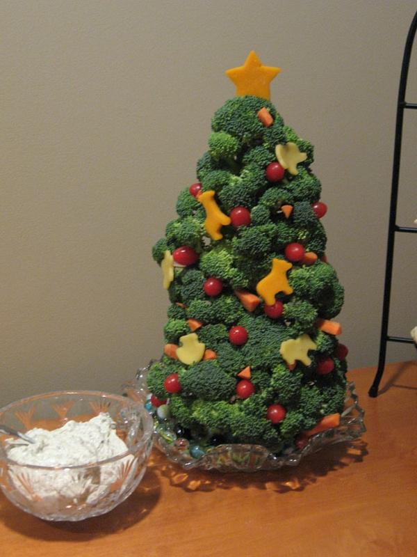 weihnachtsbaum basteln lecker aus brokkoli und käse