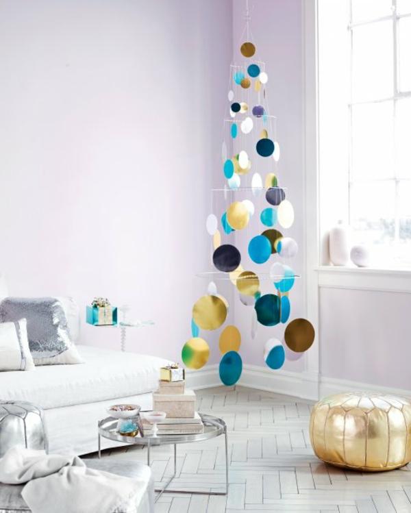 weihnachtsbaum basteln windspiel mit runden plättchen