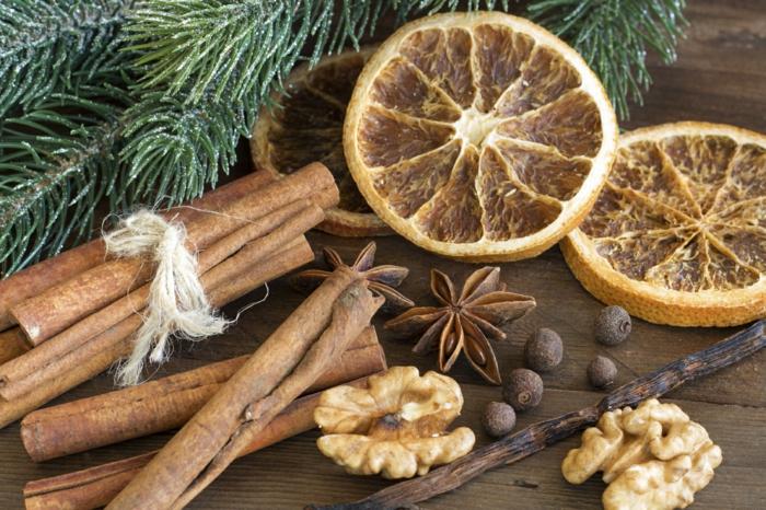 weihnachtsdekoration weihnachtsschmuck weihnachtsdeko tischdeko zimtstäbchen orange walnüsse
