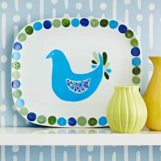 weihnachtsgeschenke basteln servierteller mit blauem vogel