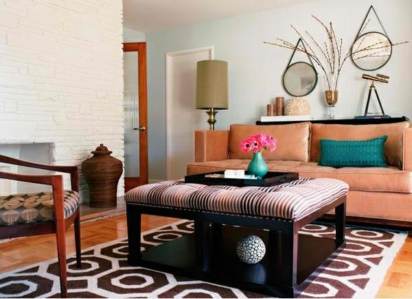 wohnzimmergestaltung wabenmuster teppich gepolsterte ottomane