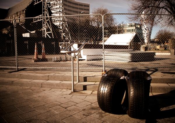 Öffentliche moderne Sitzecke aus Reifen wiederaufbau