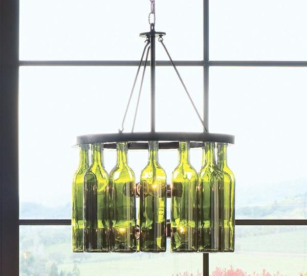 Bastelideen für DIY Projekte aus Weinflaschen kronleuchter originell