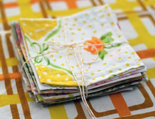 Bastelideen-für-Dekoration-aus-Bettlaken-bündel-tischdecke